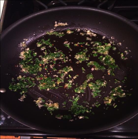 Garlic in pan
